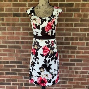 Like new WHBM floral short sleeve dress